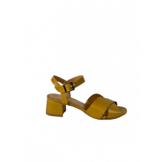Sandalo incrocio tacco medio