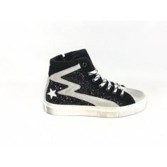 Sneaker alta con cerniera...